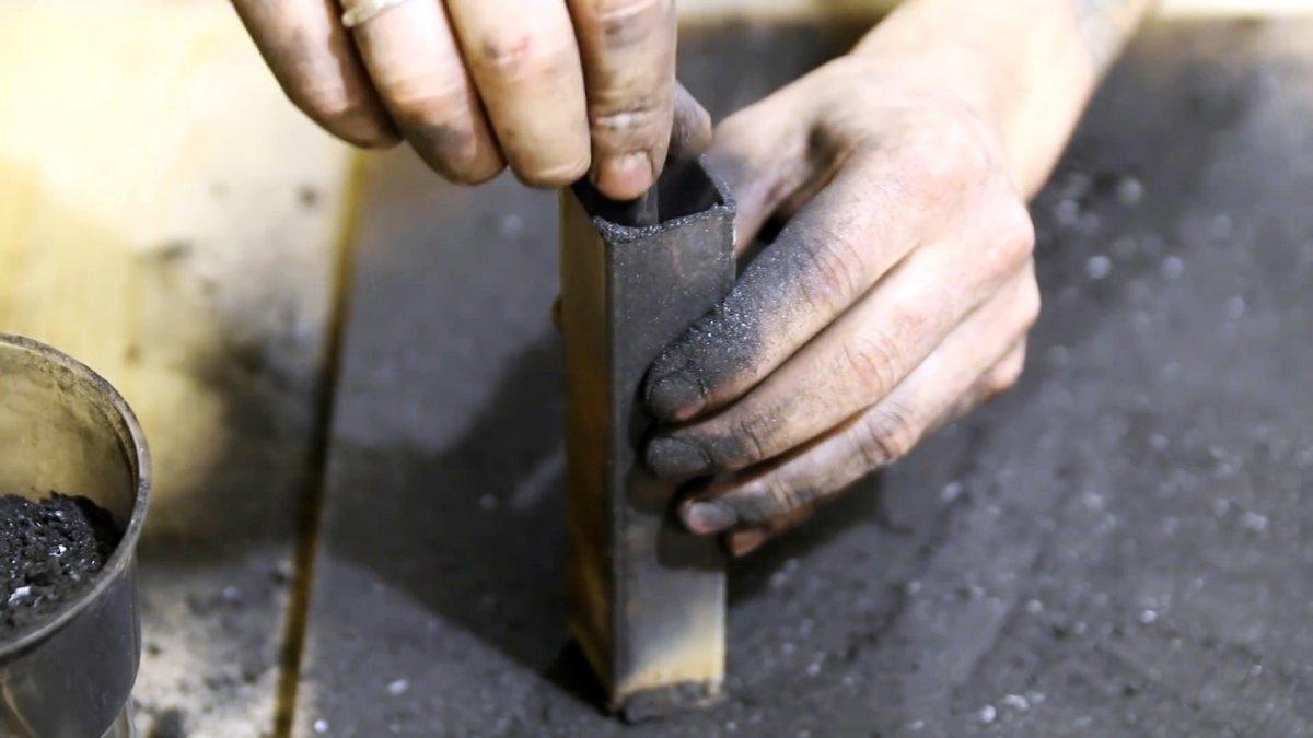 Старинный способ сделать из мягкой стали твердую