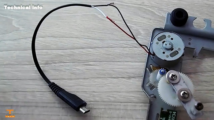 4 полезных применения механизма от DVD привода