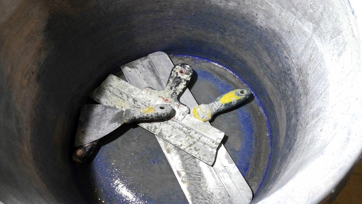 Как отмыть инструмент от засохшего раствора