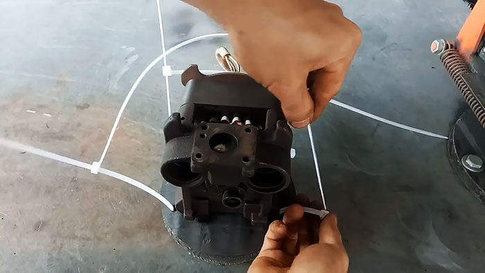 Как сделать простой лобзиковый станок из компрессора от холодильника