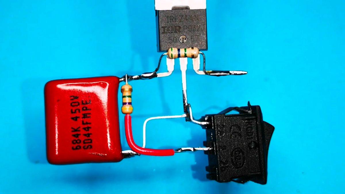 Схема плавного пуска и остановки для нагрузок постоянного тока
