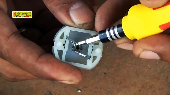 Как отремонтировать аккумуляторную электробритву или машинку для стрижки, если она не запускается