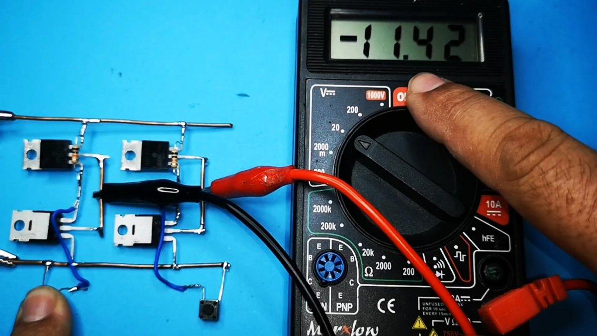 Как сделать схему управления двигателем. Включение и реверс двумя кнопками