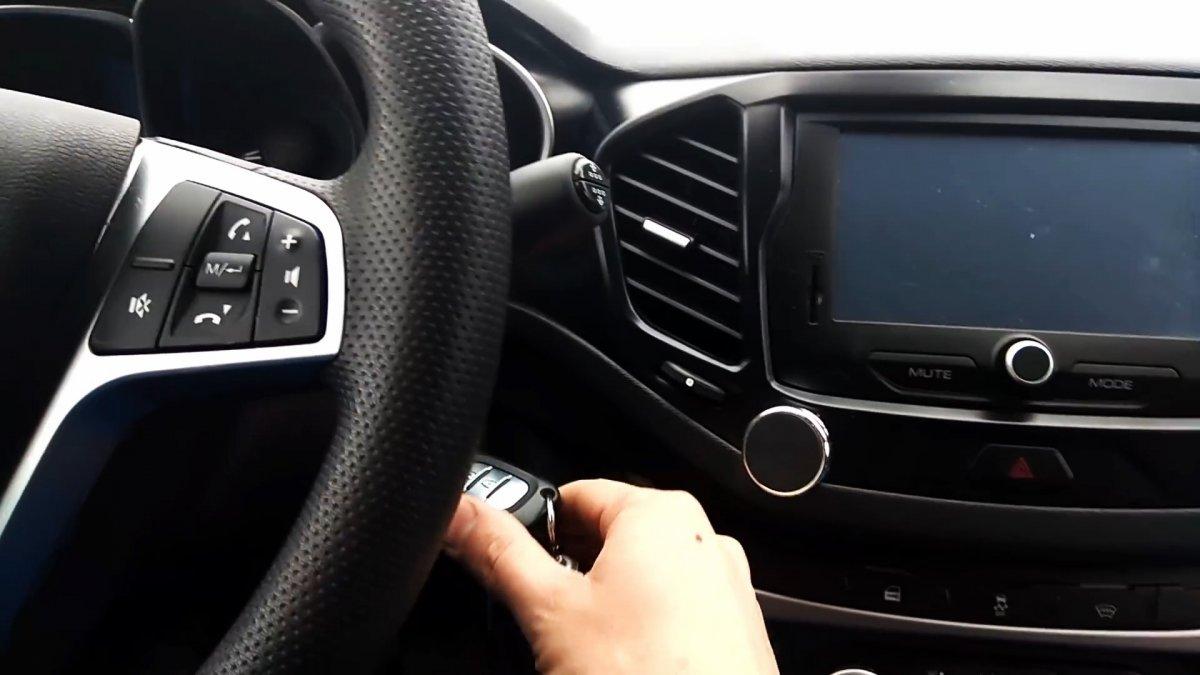 Авто лайфхак: В зимнее время используйте сервисный режим дворников