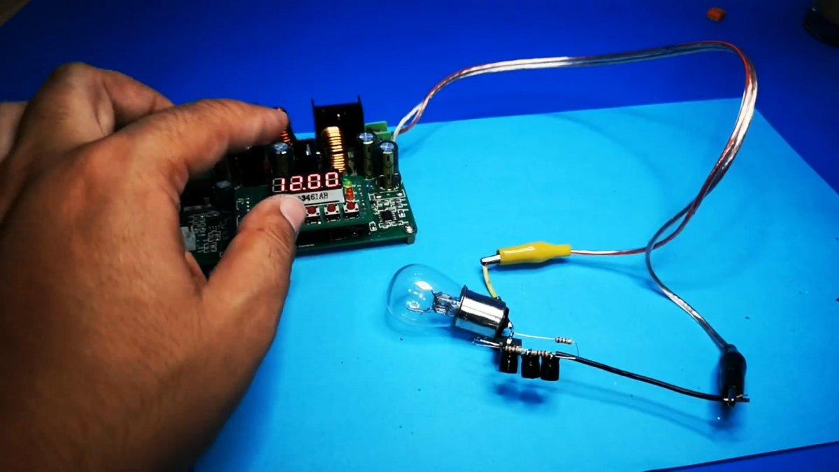 Как сделать мощную мигалку на одном MOSFET