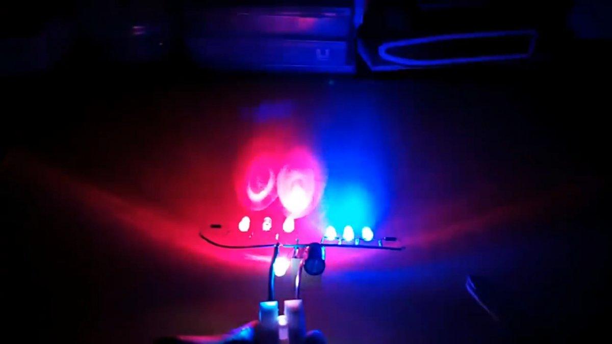 Как сделать полицейскую мигалку на реле