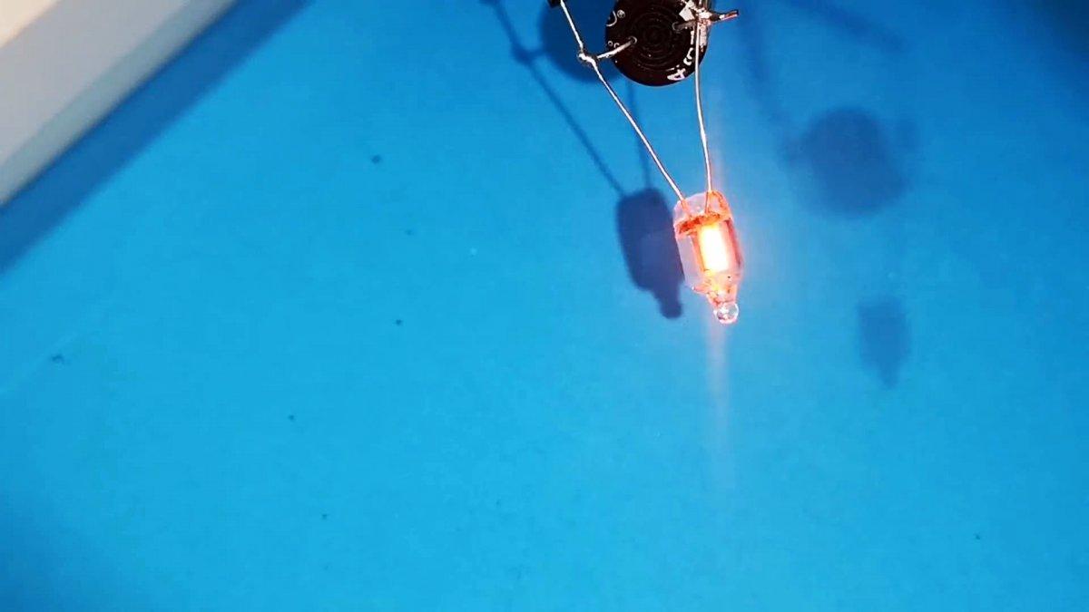 Неизвестная особенность неоновой лампы, не описанная ни в одной литературе