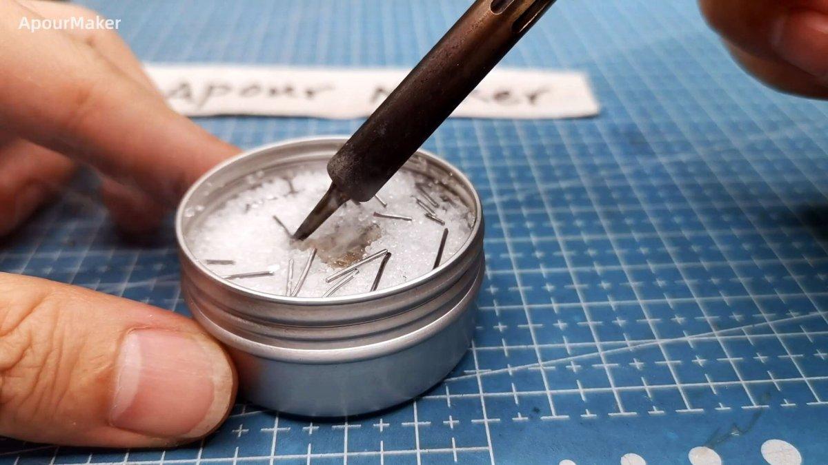 Как сделать чистящую пасту для мгновенного лужения жала паяльника