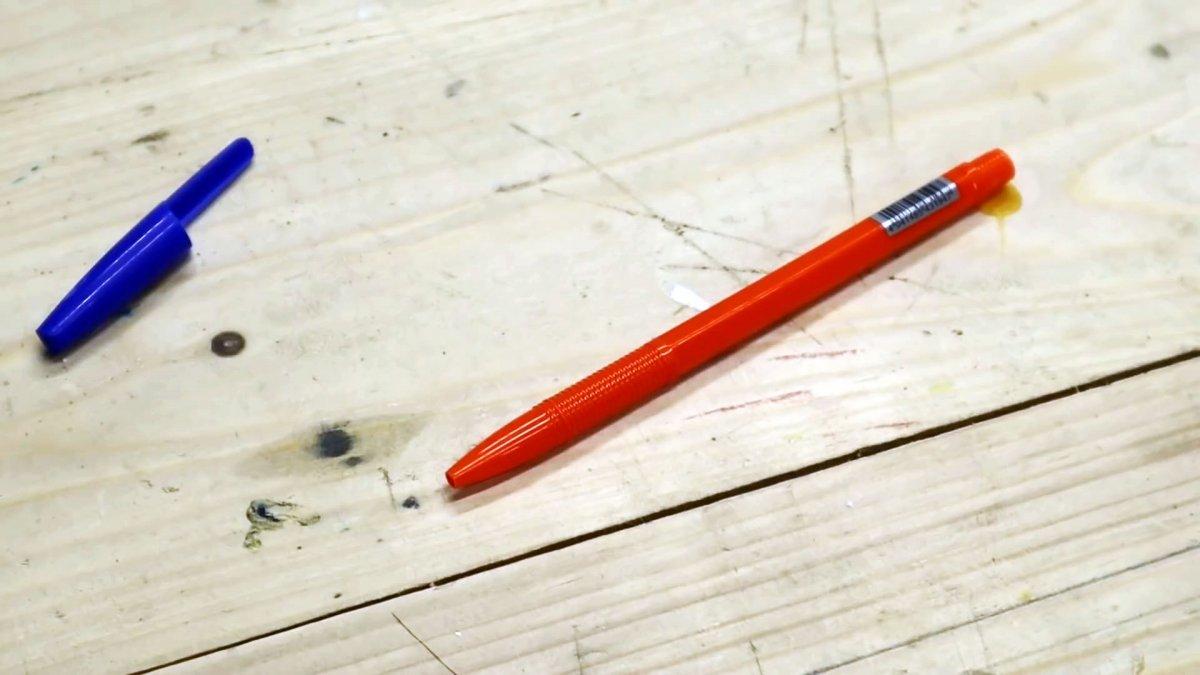 Как сделать пистолет для пены из шариковой ручки и еще 9 хитростей при работе с монтажной пеной