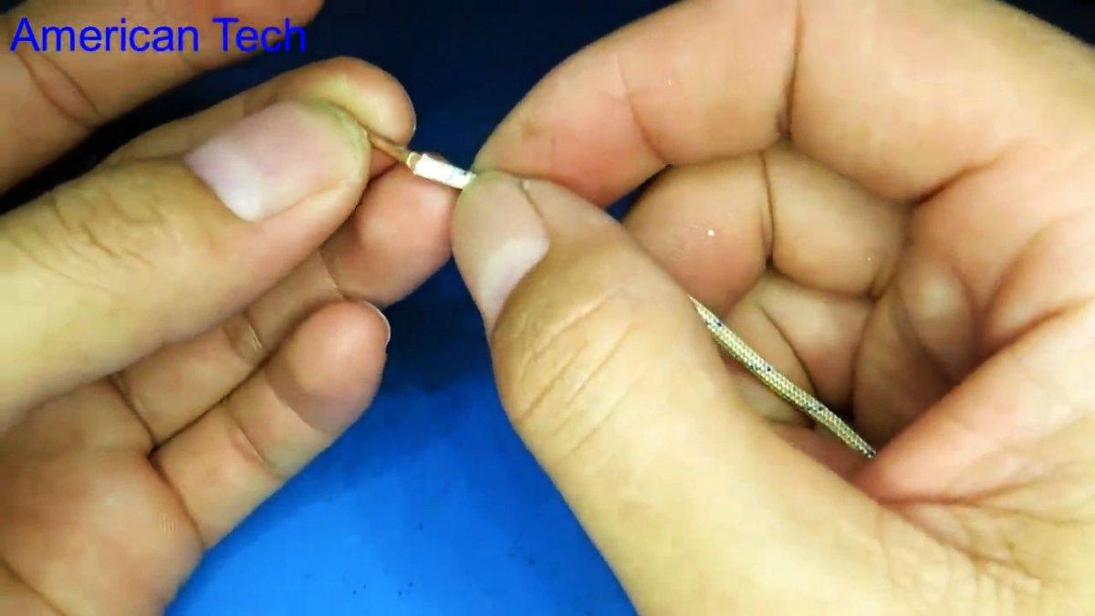 Как сделать мини электропаяльник 3,7 В с быстрым нагревом жала