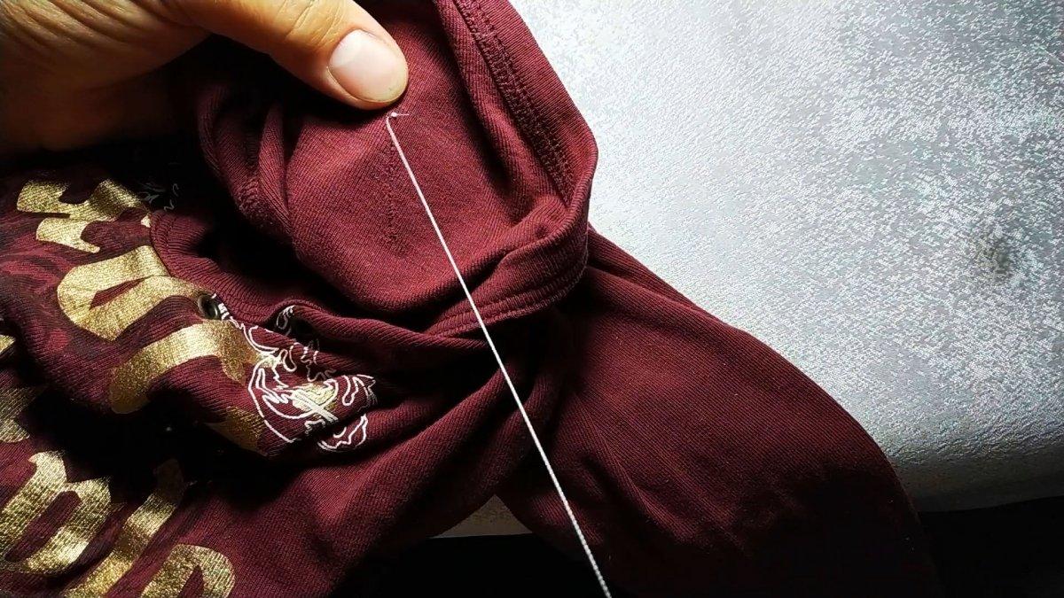 Как незаметно и аккуратно зашить дырку в одежде