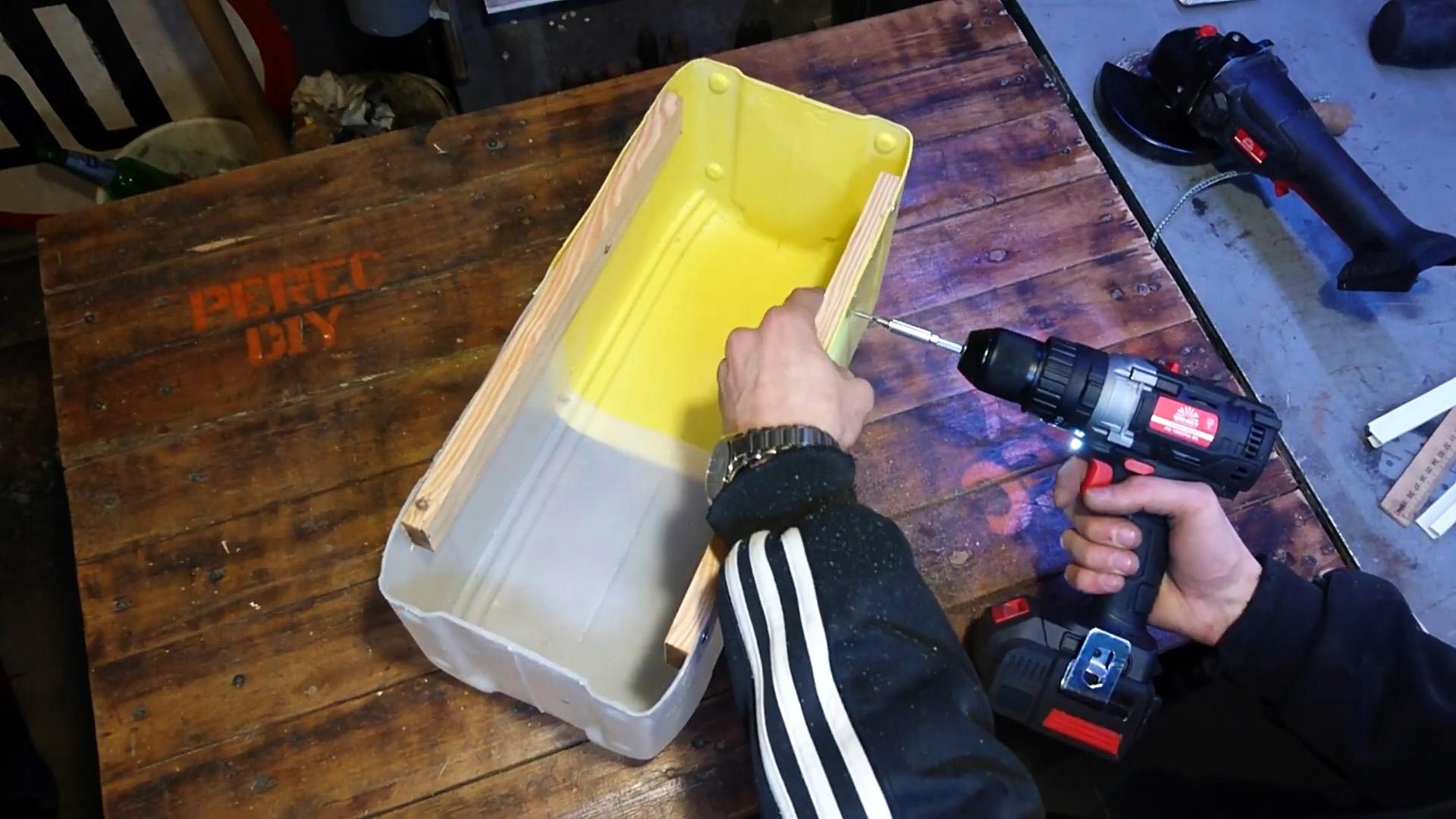Как сделать большой ящик для инструментов из пластиковых канистр