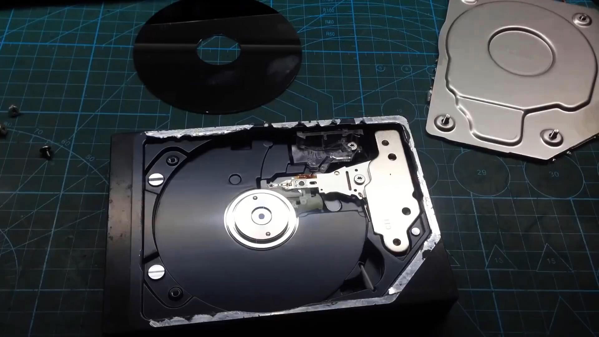Как без транзисторов и микросхем запустить мотор от HDD