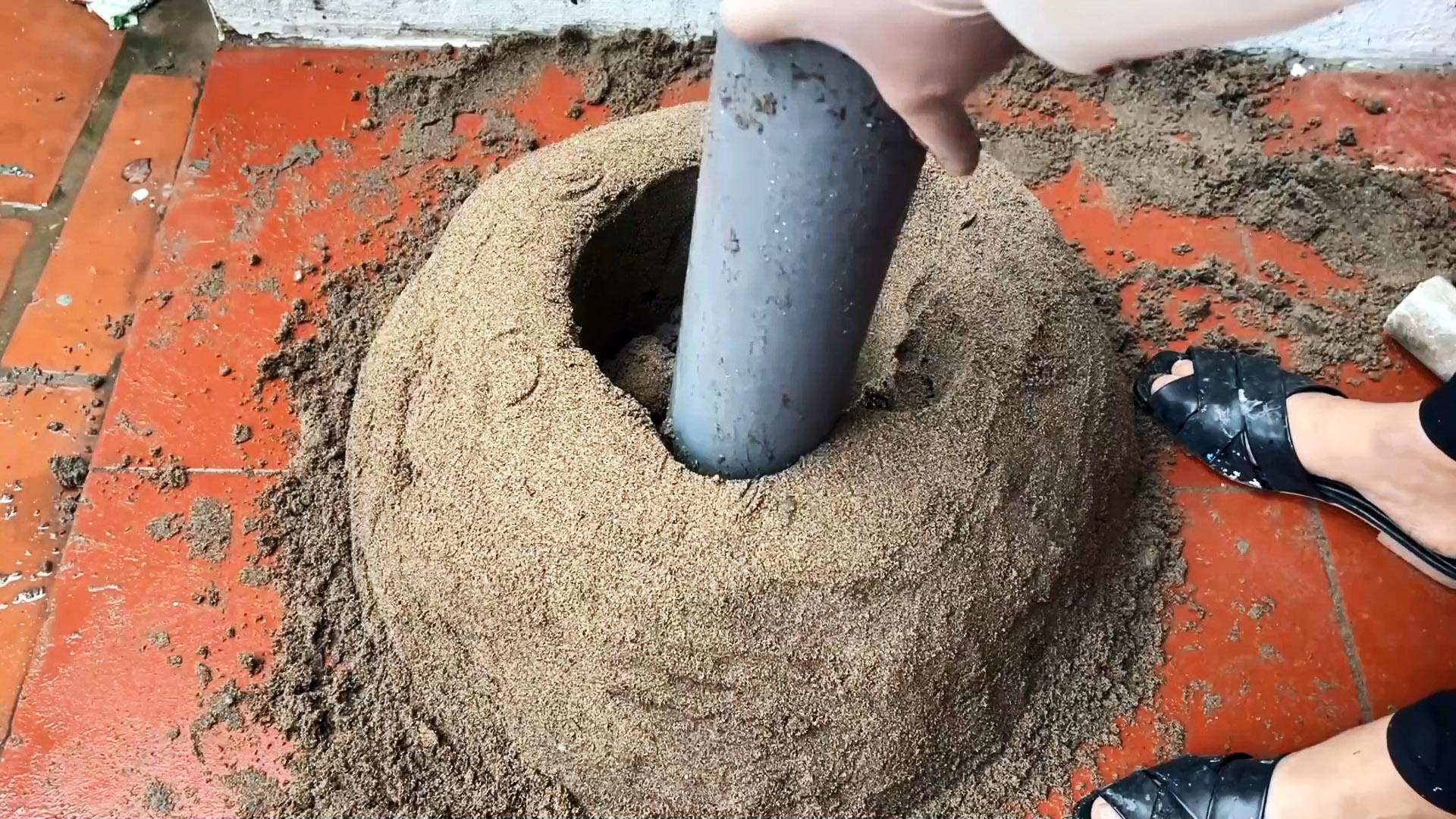 Как сделать столик для террасы с лебедями из цемента