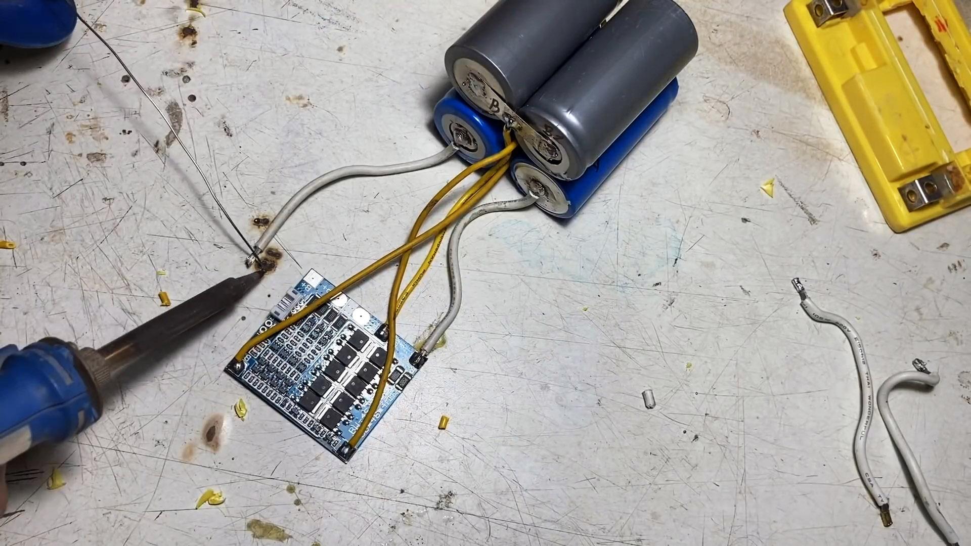 Как переделать кислотно-свинцовый аккумулятор 12 В в литий-ионный
