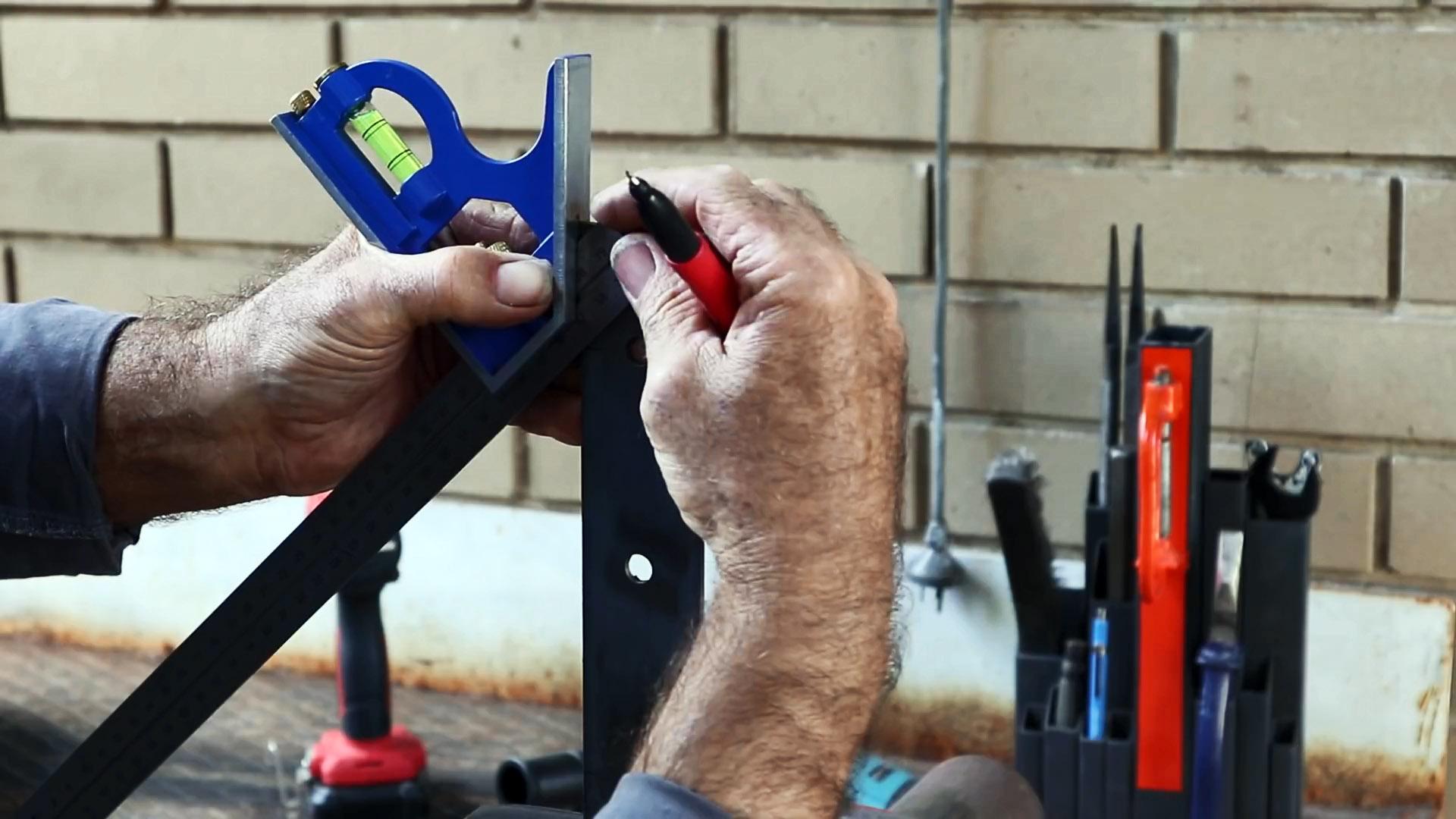 Как из стальных полос и куска арматуры сделать дверную ручку в стиле лофт