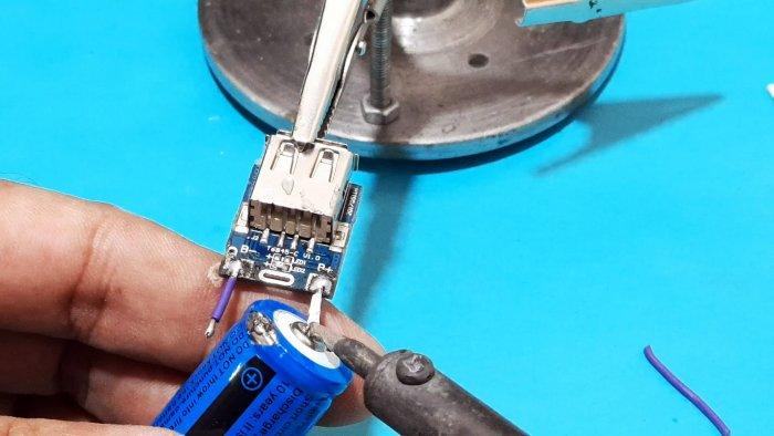 Как сделать простой Power Bank 5000 мАч в корпусе из шприца