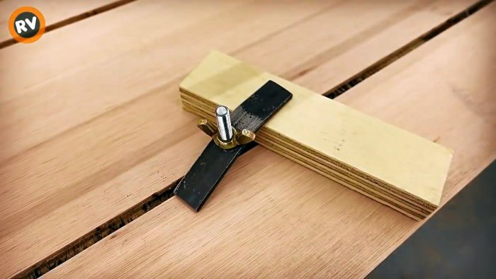 Недорогая самодельная направляющая с кареткой для ручной циркулярки