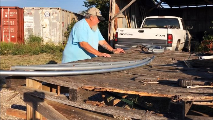 Как согнуть трубу в арку для теплицы при помощи самодельного шаблона