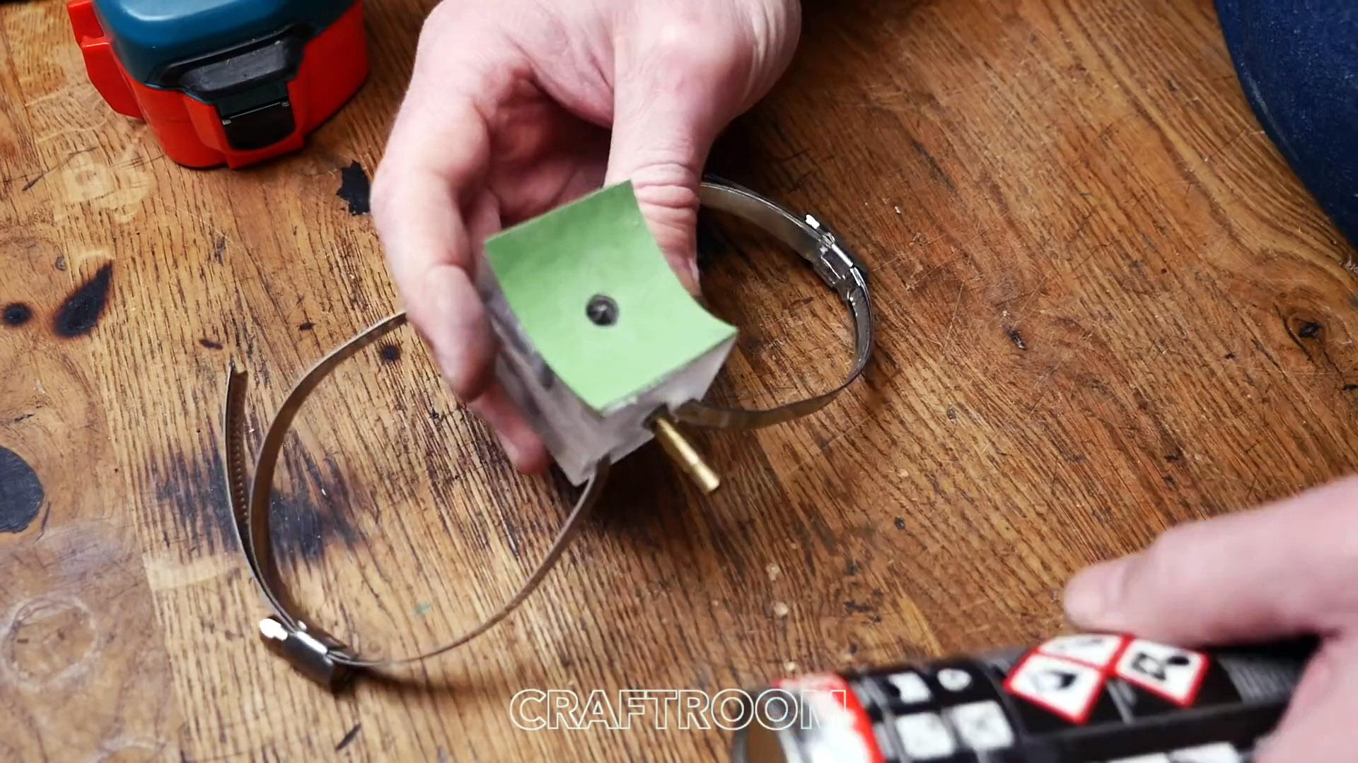 Как использовать остатки засохшего баллона с монтажной пеной? Делаем несложное приспособление