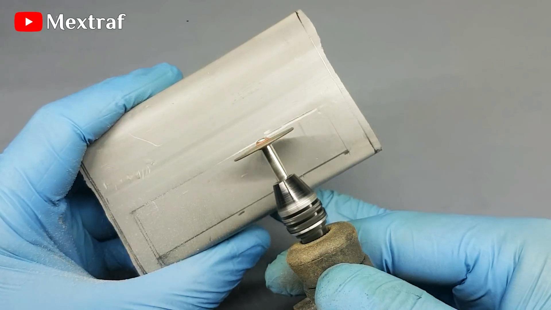 Как из ПВХ трубы сделать сенсорный светильник для мастерской