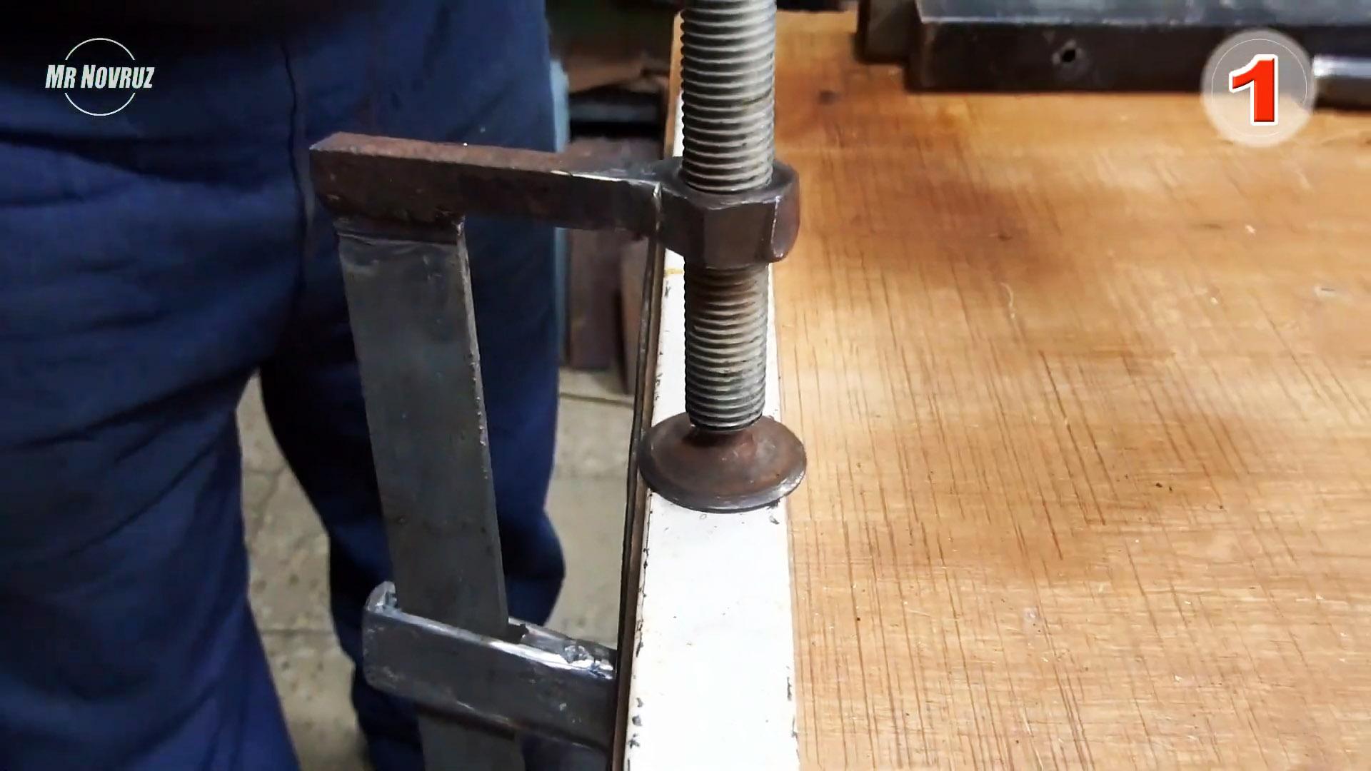 Мощная F-образная струбцина из старых клапанов