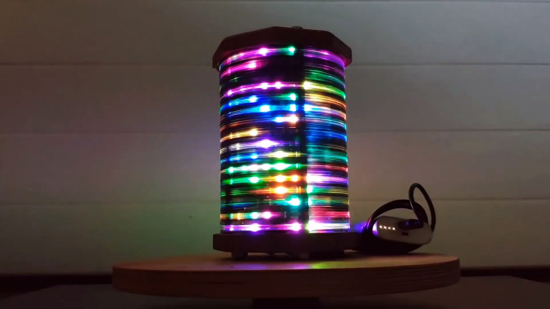 Как сделать светильник из CD дисков управляемый смартфоном