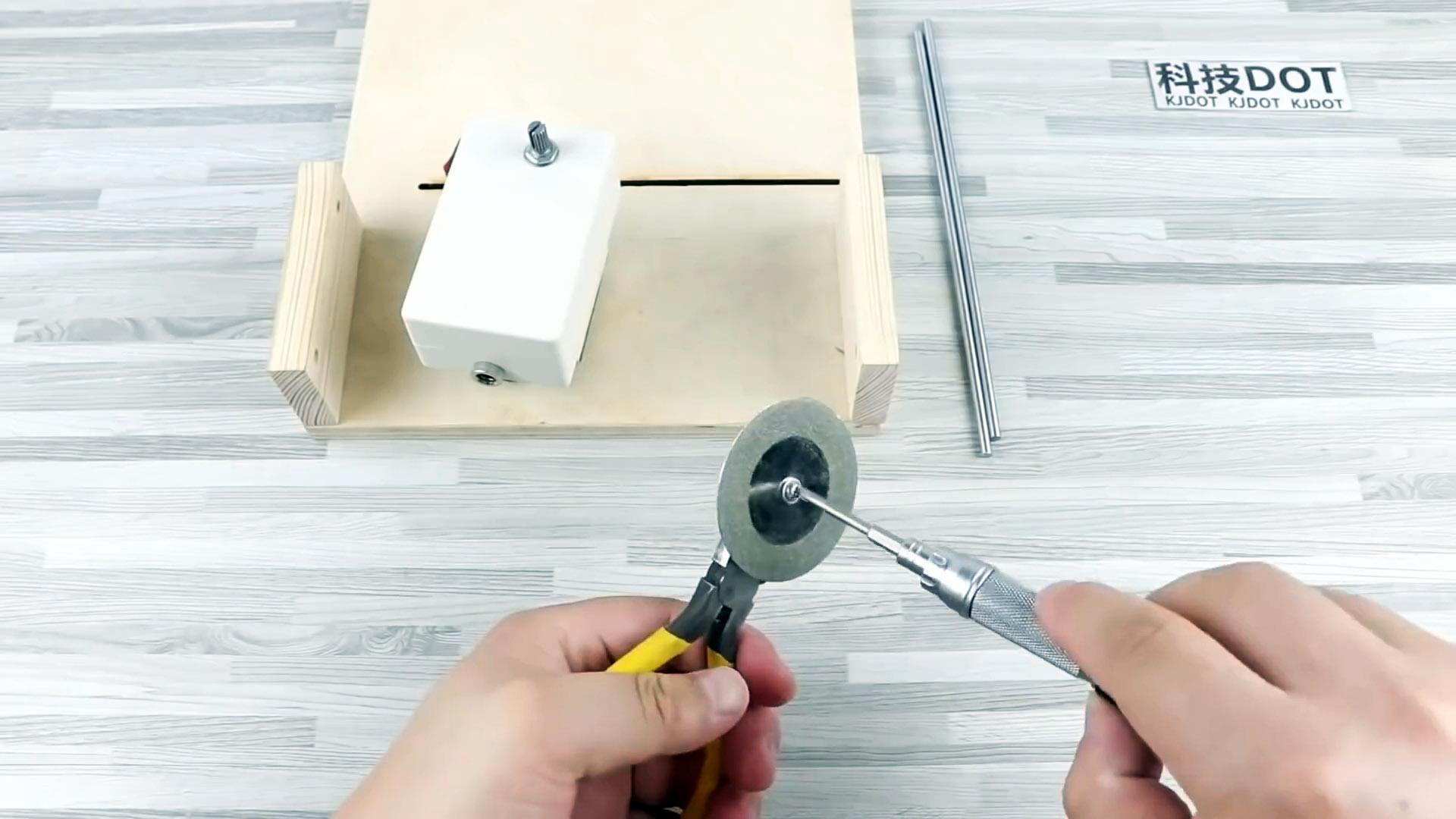 Как сделать мини раскройный станок для плат