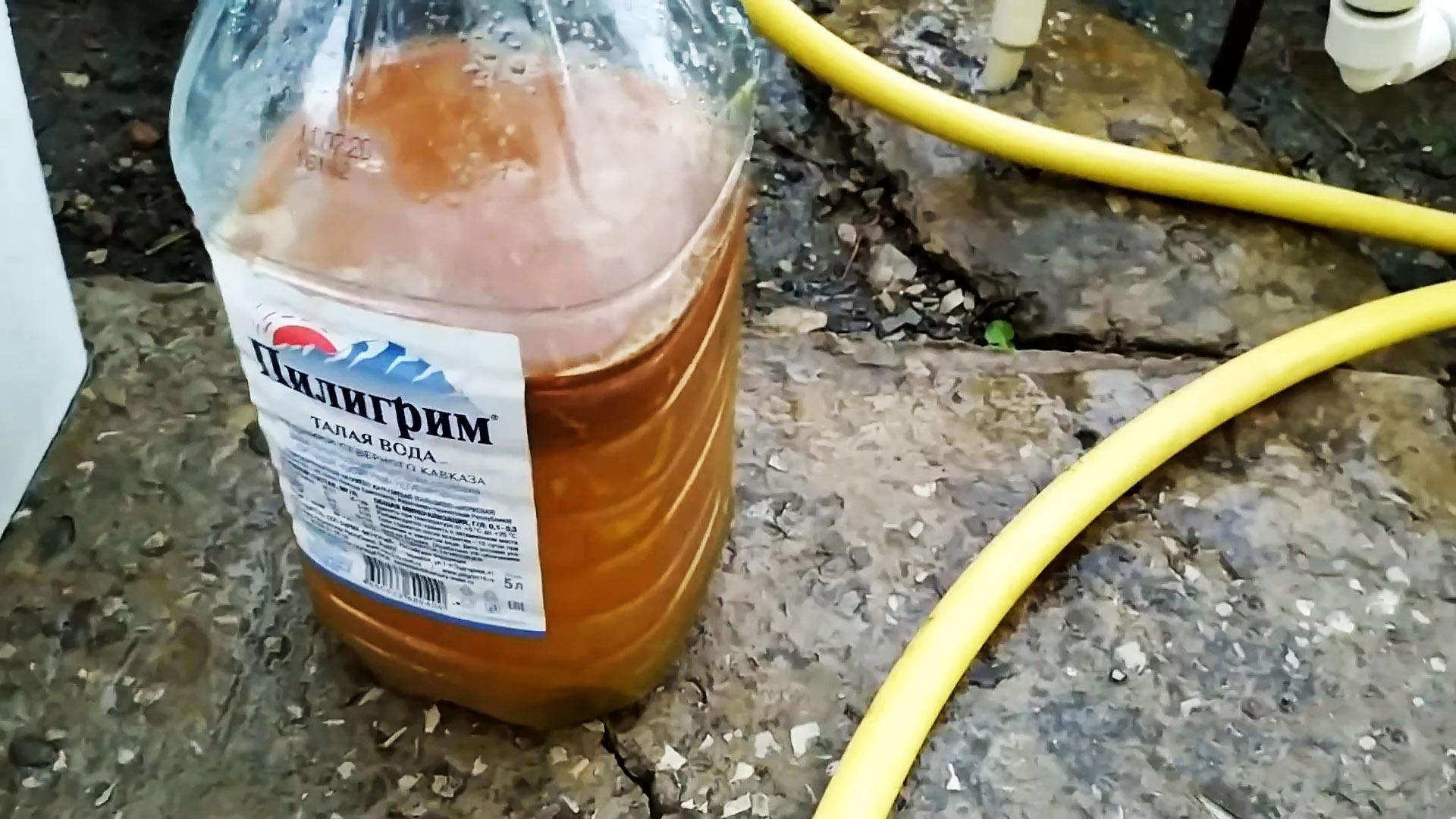 Как без дорогой химии избавиться от неприятного запаха из уличного туалета и канализации