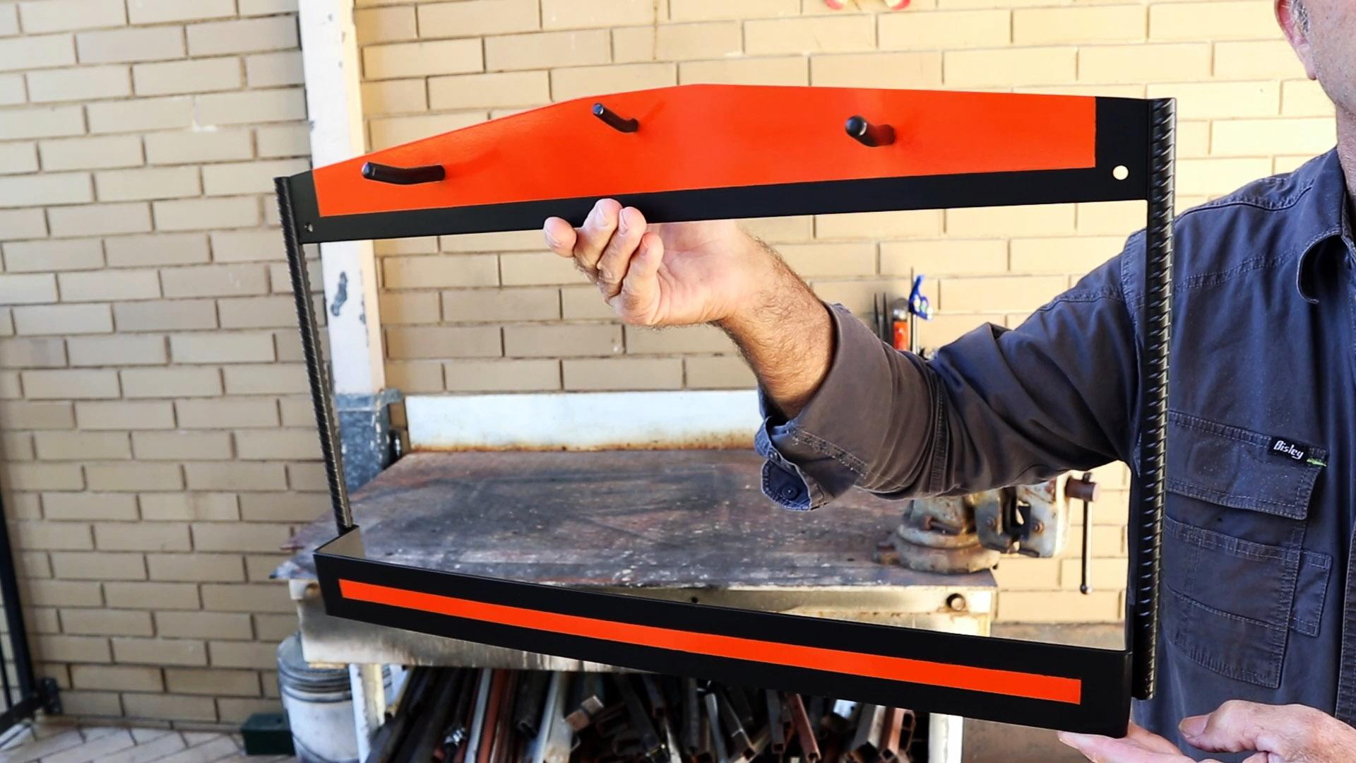 Как сделать удобную настенную стойку для хранения УШМ и дисков к ним