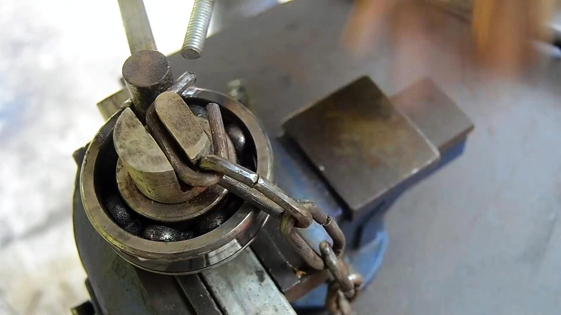 Как на основе большого подшипника сделать станок для изготовления цепей