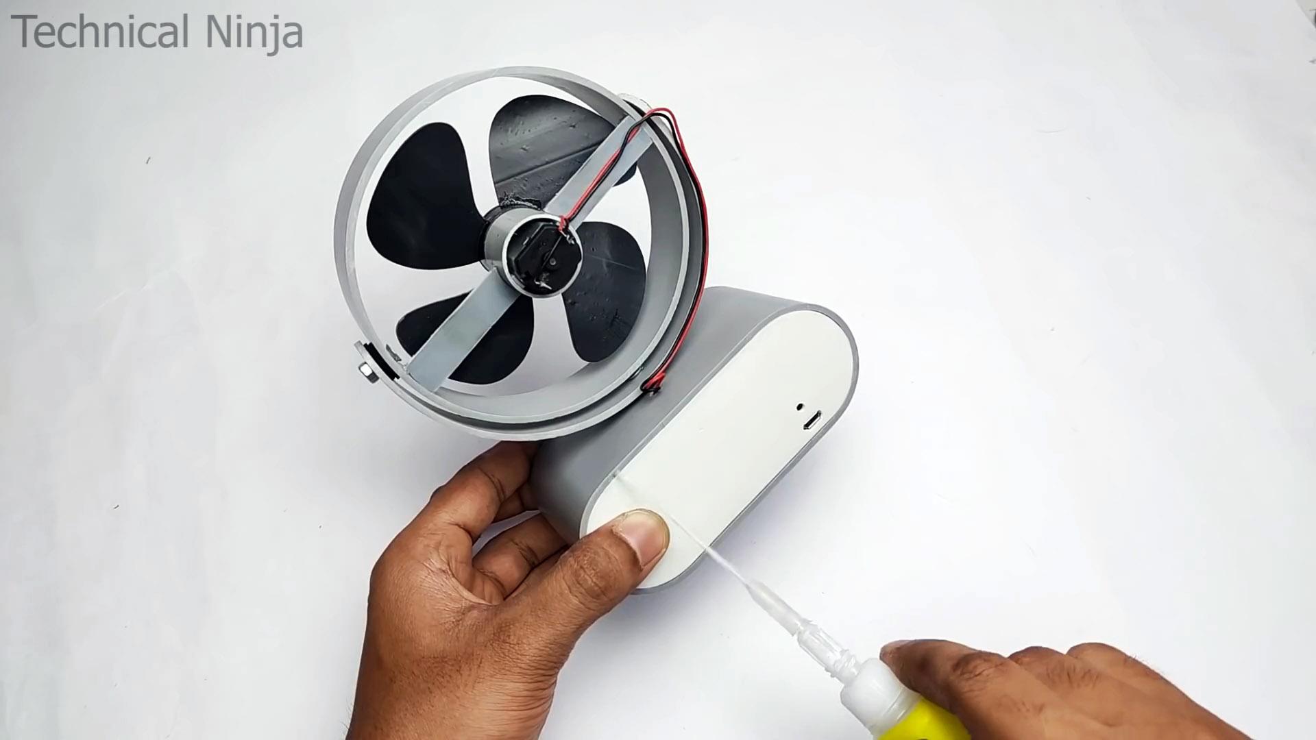 Как сделать аккумуляторный настольный вентилятор из ПВХ трубы