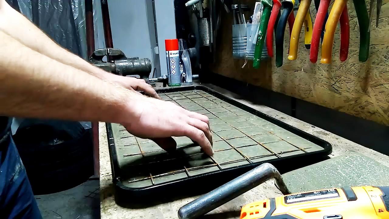 Как быстро и дешево сделать садовую плитку своими руками