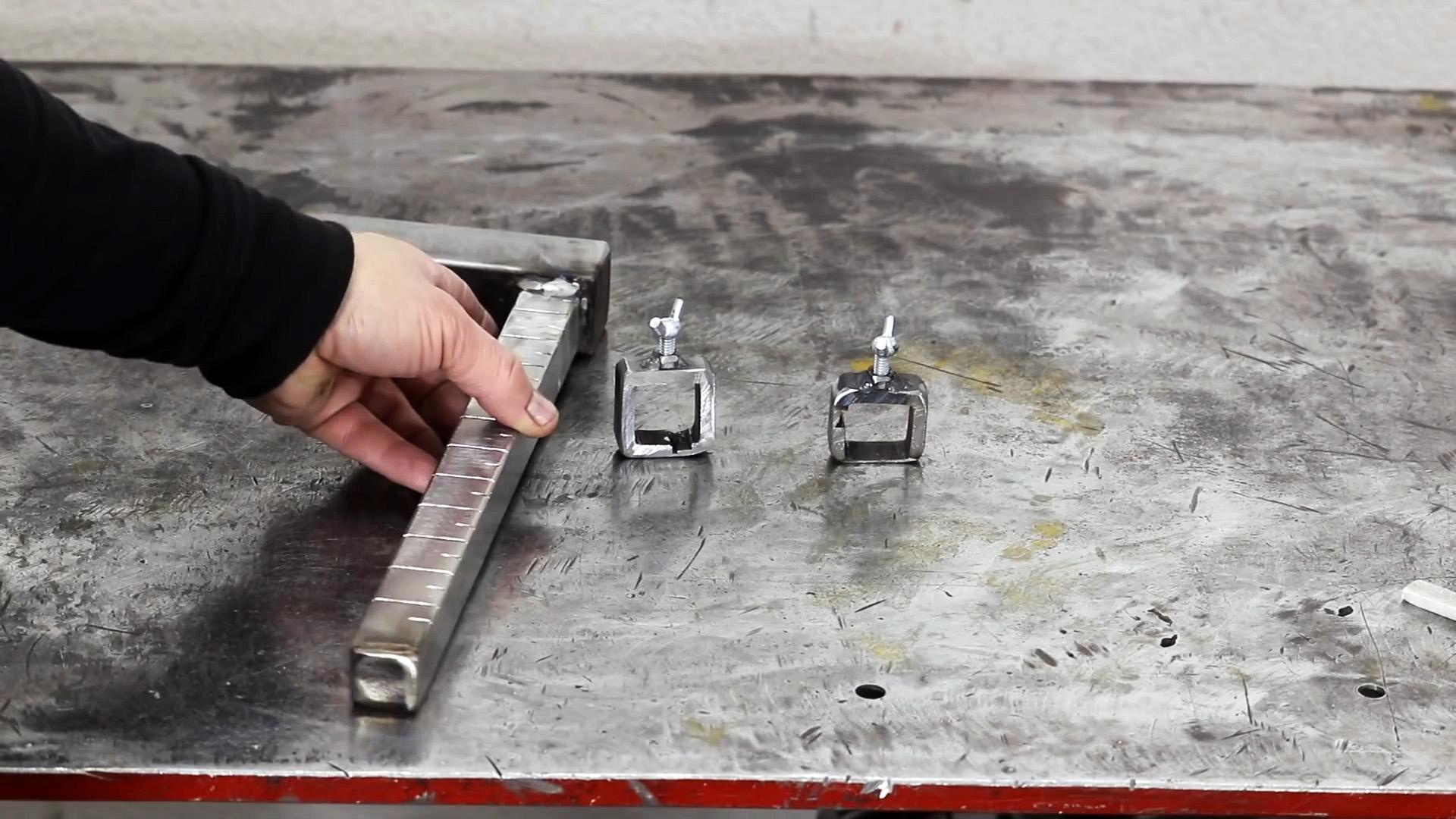 Как сделать мини стойку для дрели, которую можно взять с собой