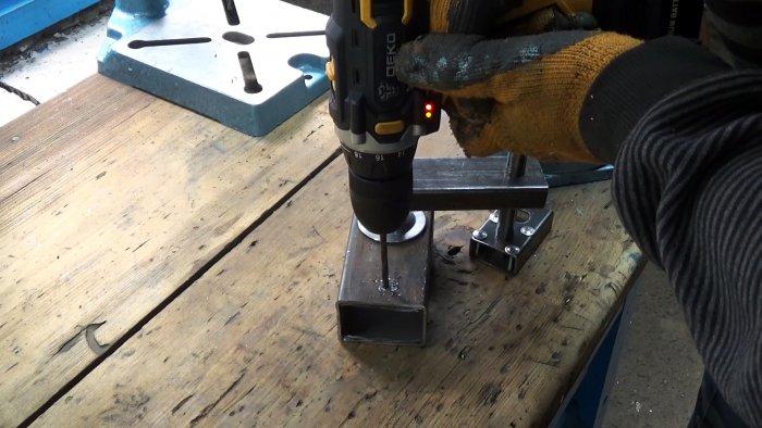 Любопытная идея по изготовлению струбцины своими руками