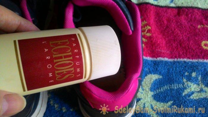Лайфхак удаляем потный запах в обуви навсегда при помощи копеечного средства
