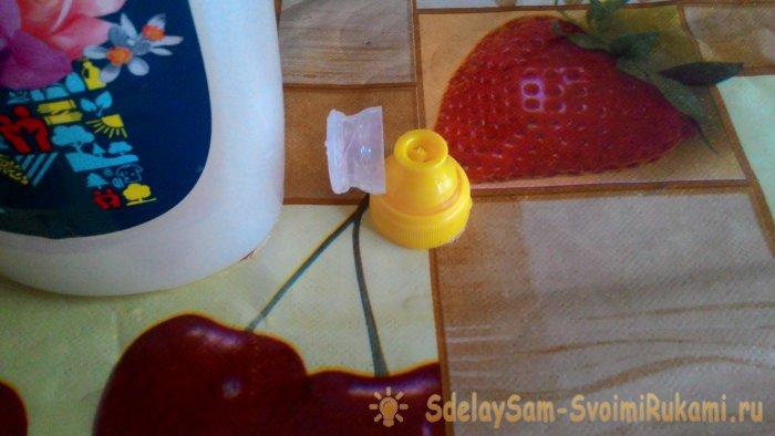 Лайфхак как сделать удобную крышку на бутылке с кондиционером за 5 минут