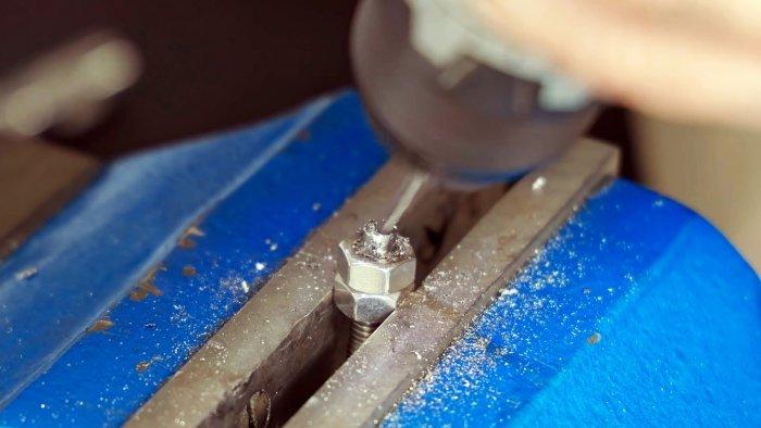 Как сделать простую мини струбцину