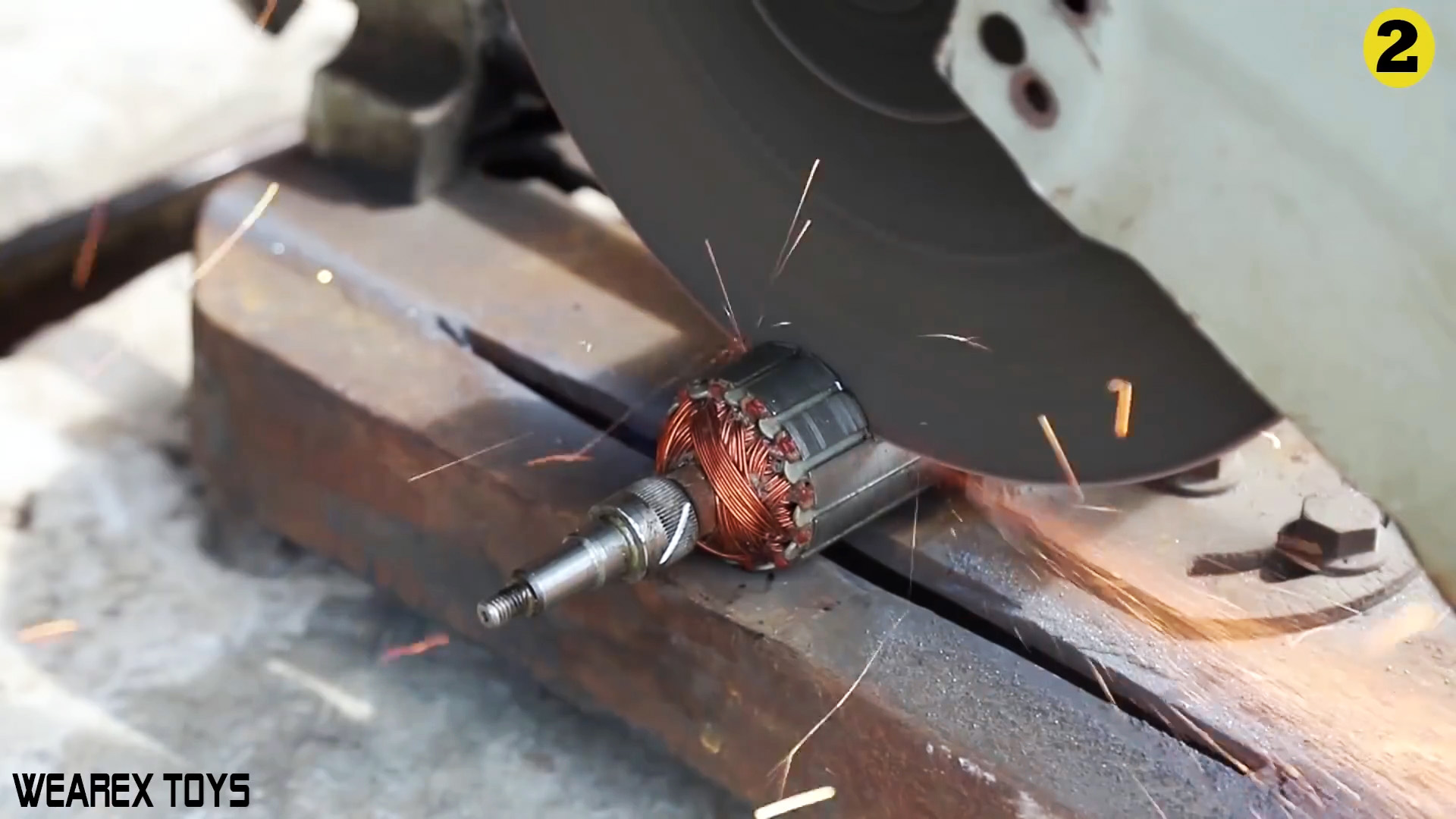 Как собрать угловой редуктор для дрели из сломанной болгарки