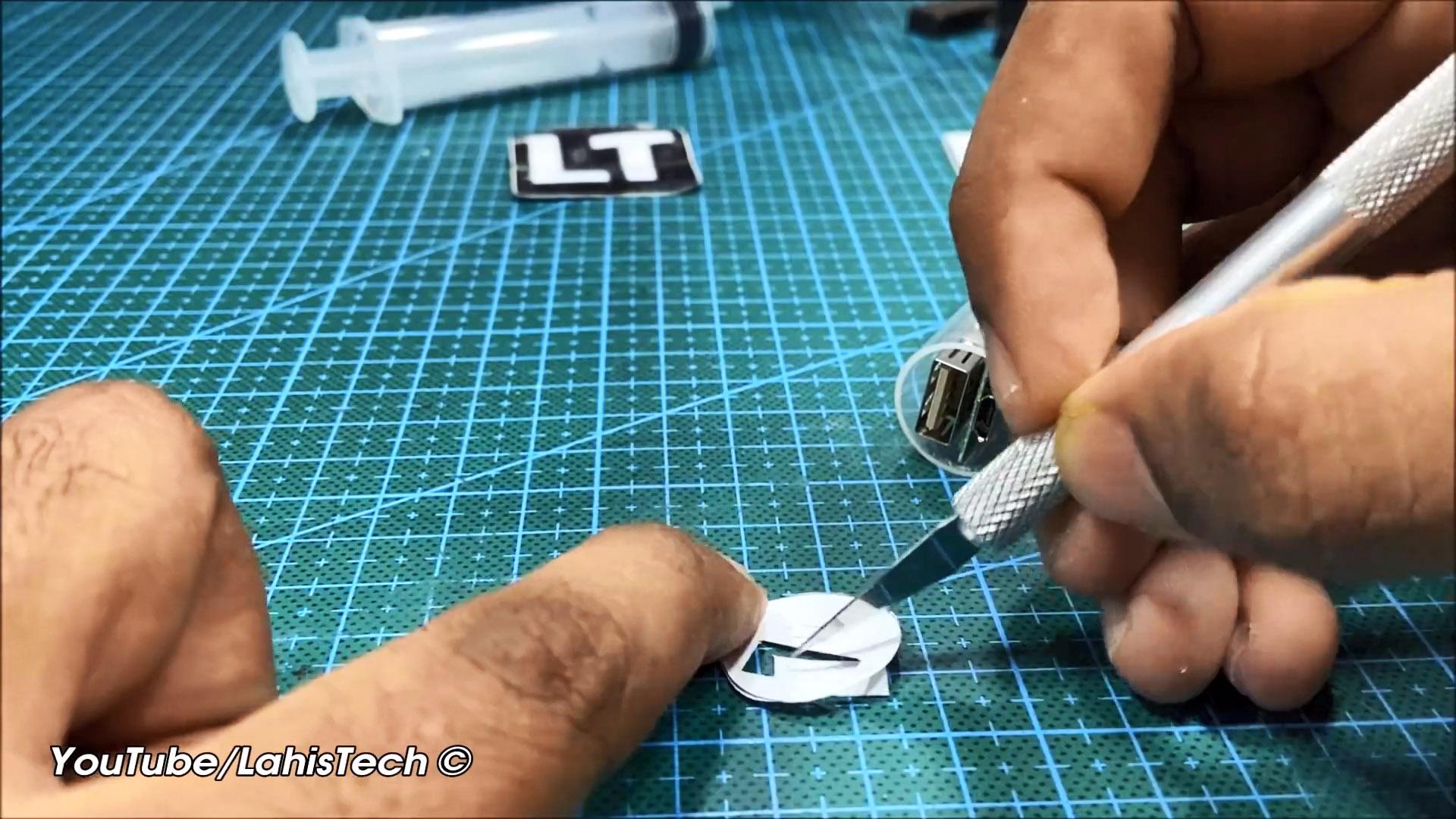 Делаем мини Power Bank на честные 3400 мАч из шприца и аккумулятора 18650
