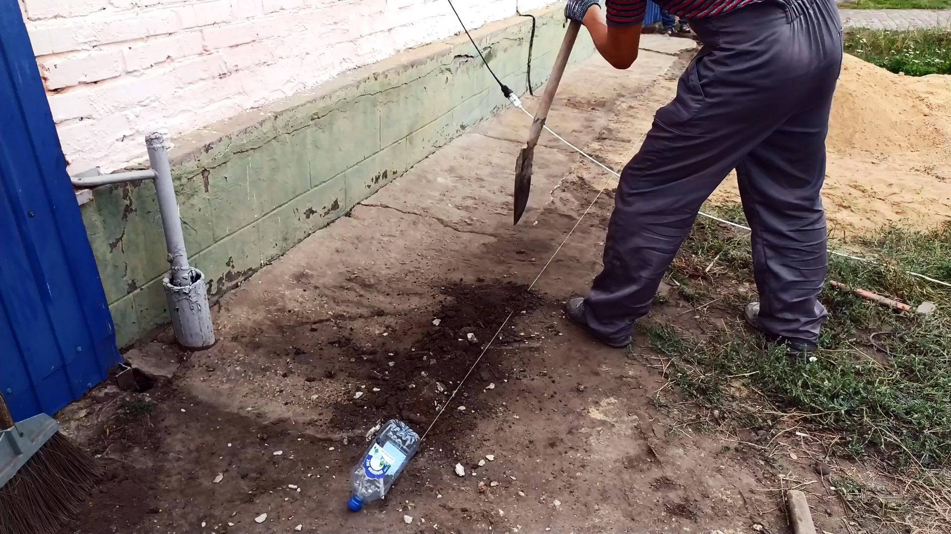 Как просто и надежно отремонтировать старую придомовую отмостку