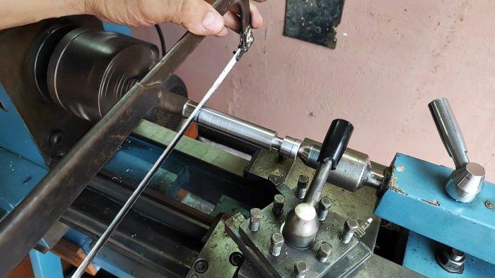Как сделать прижим длинномер с подъемным желобом для быстрой работы