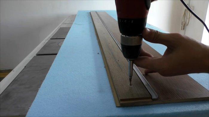 Как сделать направляющую для ручной пилы и пилить доски ровно как на стационарной циркулярке