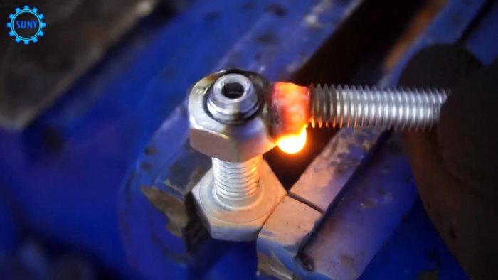 4 идеи крепления стальных тросиков