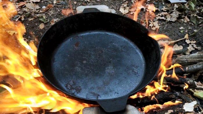 Как восстановить чугунную сковородку и сделать ее антипригарной