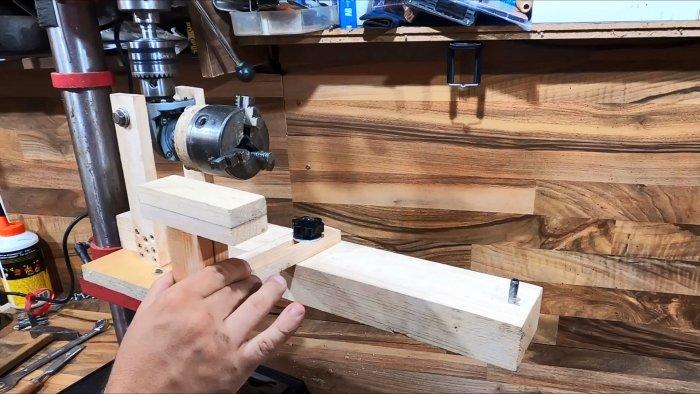 Как сделать токарную приставку к сверлильному станку из редуктора УШМ