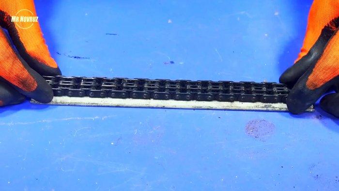 Простая стойка для дрели с приводом на основе цепи и звезды