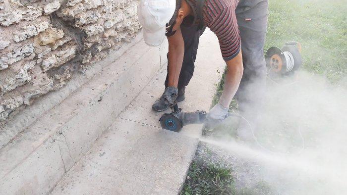 Как сделать бетонную отмостку под фундаментом вечной