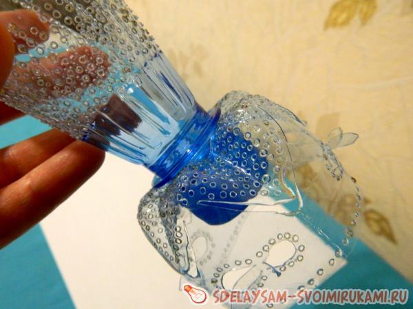 Как сделать вазу с пластиковой бутылки