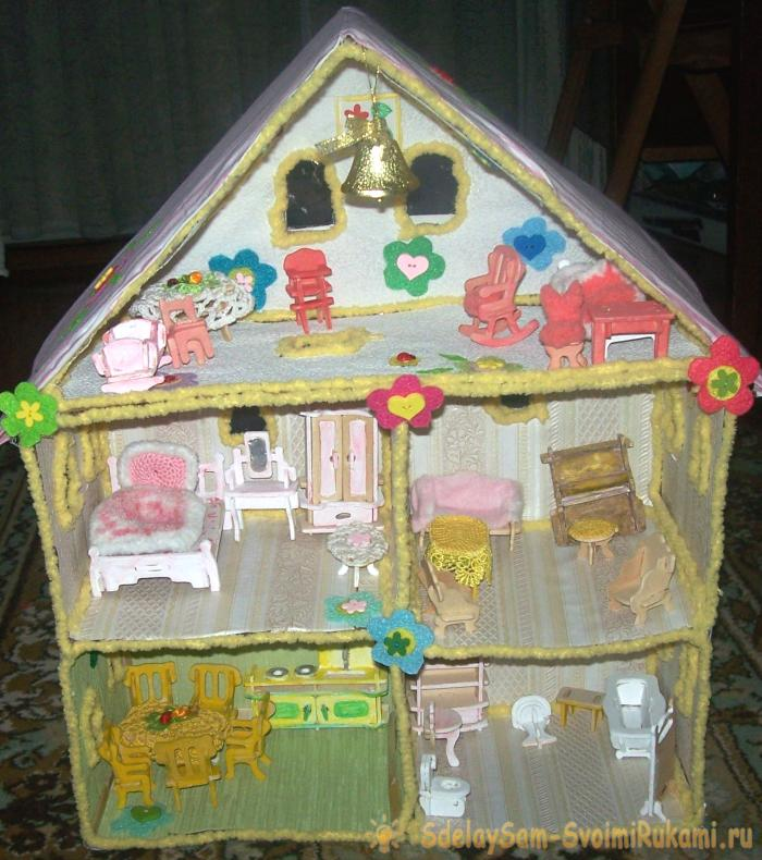 Поделка домик с куклами